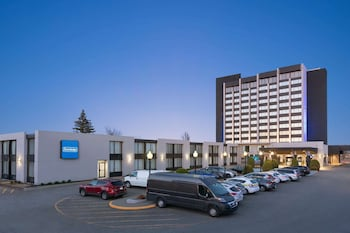 Travelodge Hotel & Convention Center Quebec City