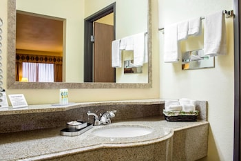 Phoenix Vacations - Quality Inn Wickenburg - Property Image 4