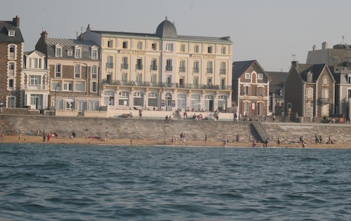 . Hotel Kyriad Saint Malo centre Plage