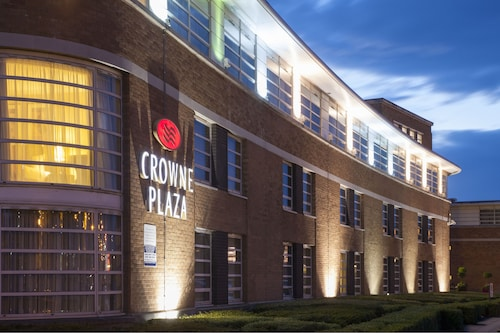 . Crowne Plaza Liverpool - John Lennon Airport