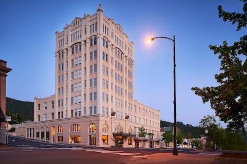 __{offers.Best_flights}__ Ashland Springs Hotel