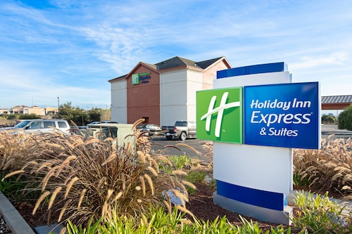 . Holiday Inn Express Suites Watsonville