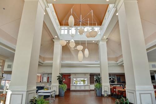 . Hilton Garden Inn Oshkosh