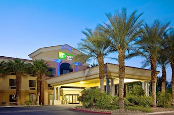 Hotel - Holiday Inn Express Hotels and Suites Cathedral