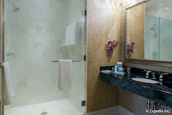 バスルームのシャワー