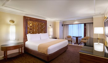 Luxury Room, 1 King Bed, Smoking, Tower