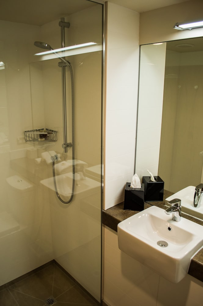 스위스 벨리조트 코로넷 피크(Swiss-Belresort Coronet Peak) Hotel Image 22 - Bathroom