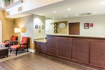 Lobby at Comfort Suites Myrtle Beach in Myrtle Beach