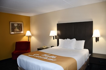 Standard Room, 1 Queen Bed, Accessible, Non Smoking