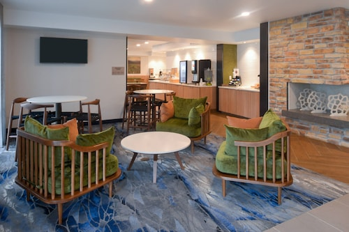 . Fairfield Inn by Marriott Pittsburgh New Stanton