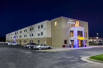 Hotel - Super 8 by Wyndham Wichita North