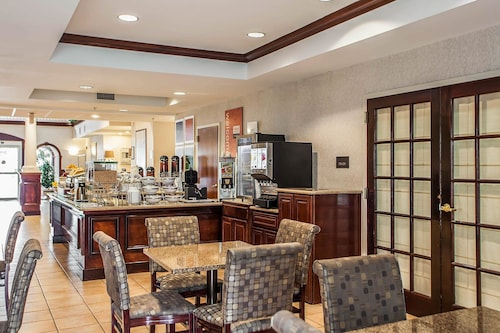 Comfort Suites, Middlesex