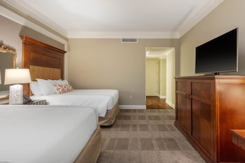 Premier Room, 2 Queen Beds, Accessible (Roll in Shower)