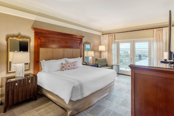 Premier Room, 1 King Bed, Balcony