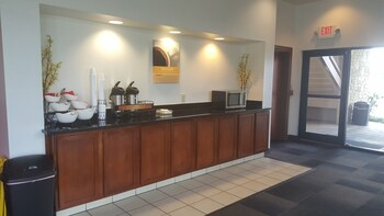 Motel 6 Columbus OSU - Lobby  - #0