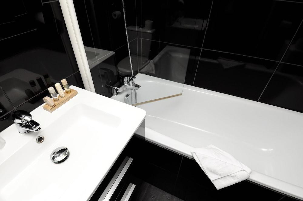호텔 르망 오페라(Hôtel Léman Opéra) Hotel Image 20 - Bathroom