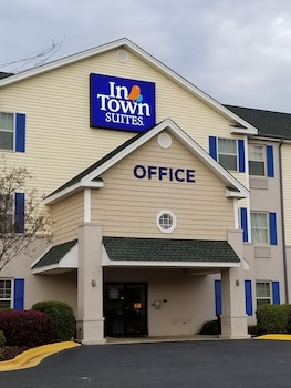 Hotel - InTown Suites Tuscaloosa