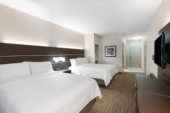 Standard Room, 2 Queen Beds, Accessible (Communication, Mobility Tub)