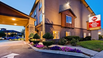 Hotel - Best Western Plus Rama Inn & Suites
