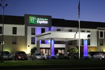 holiday inn express wilmington wilmington oh. Black Bedroom Furniture Sets. Home Design Ideas
