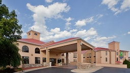 Holiday Inn Express Hotel & Suites Waynesboro - Route 340, an IHG Hotel