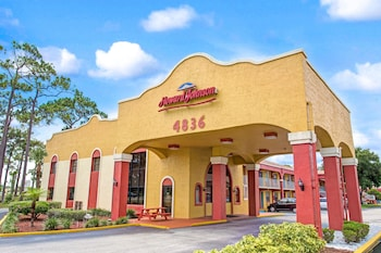 湖濱公園基西米溫德姆豪生飯店 Howard Johnson by Wyndham Lake Front Park Kissimmee