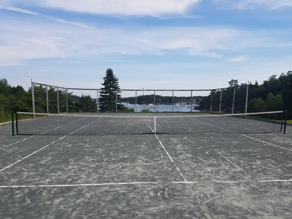 Tennis and Basketball Courts : Tennis Court 42 of 76
