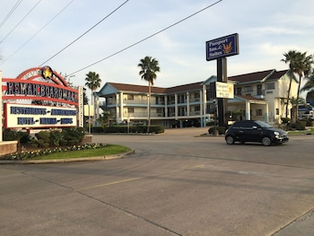 Scottish Inns and Suites - Near Kemah Boardwalk