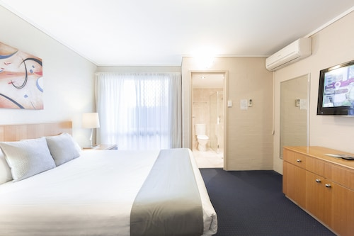 . ibis Styles Canberra