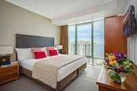 Hotel Deluxe Studio at Mantra Legends Hotel in Surfers Paradise