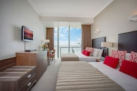 Hotel Deluxe Ocean Twin at Mantra Legends Hotel in Surfers Paradise