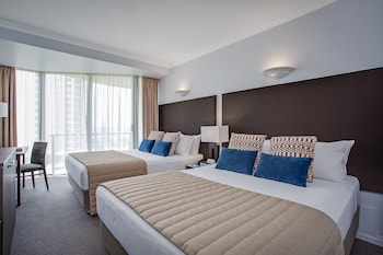 Guestroom at Mantra Legends Hotel in Surfers Paradise