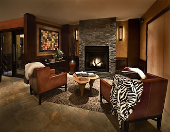 Hotel - Executive - The Inn at Whistler Village
