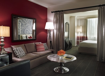 Suite, 1 King Bed, Accessible (Monte Carlo, Hearing, Tub)