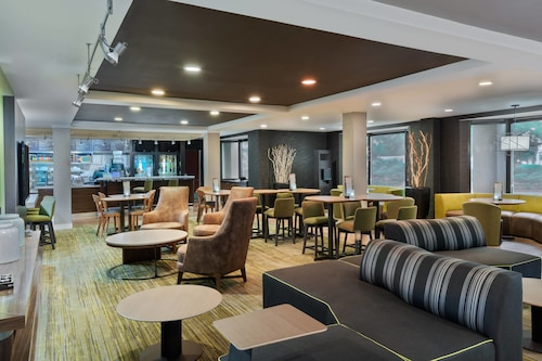 . Courtyard by Marriott Lafayette Airport