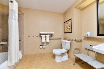 Hampton Inn Martinsburg - Bathroom  - #0