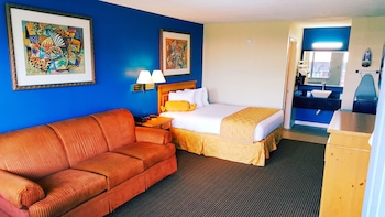 Guestroom at Amber Inn & Suites in Kissimmee