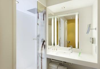 bas prix f1d26 e9eac Mercure Avignon Centre Palais des Papes Hotel France ...
