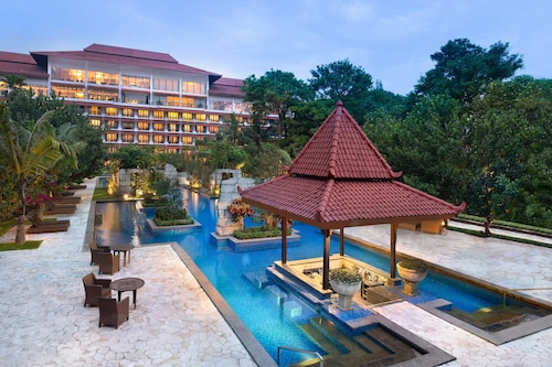 . Sheraton Mustika Yogyakarta Resort and Spa