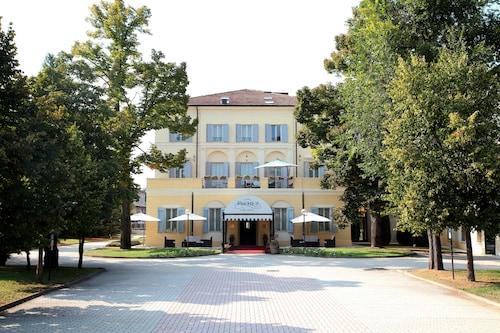 __{offers.Best_flights}__ Rechigi Park Hotel