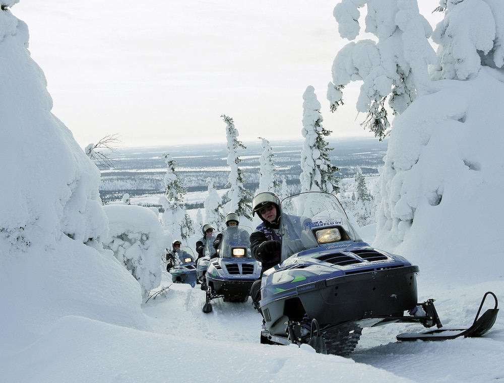 홀리데이 클럽 쿠사몬 트로피키(Holiday Club Kuusamon Tropiikki) Hotel Image 83 - Snowmobiling