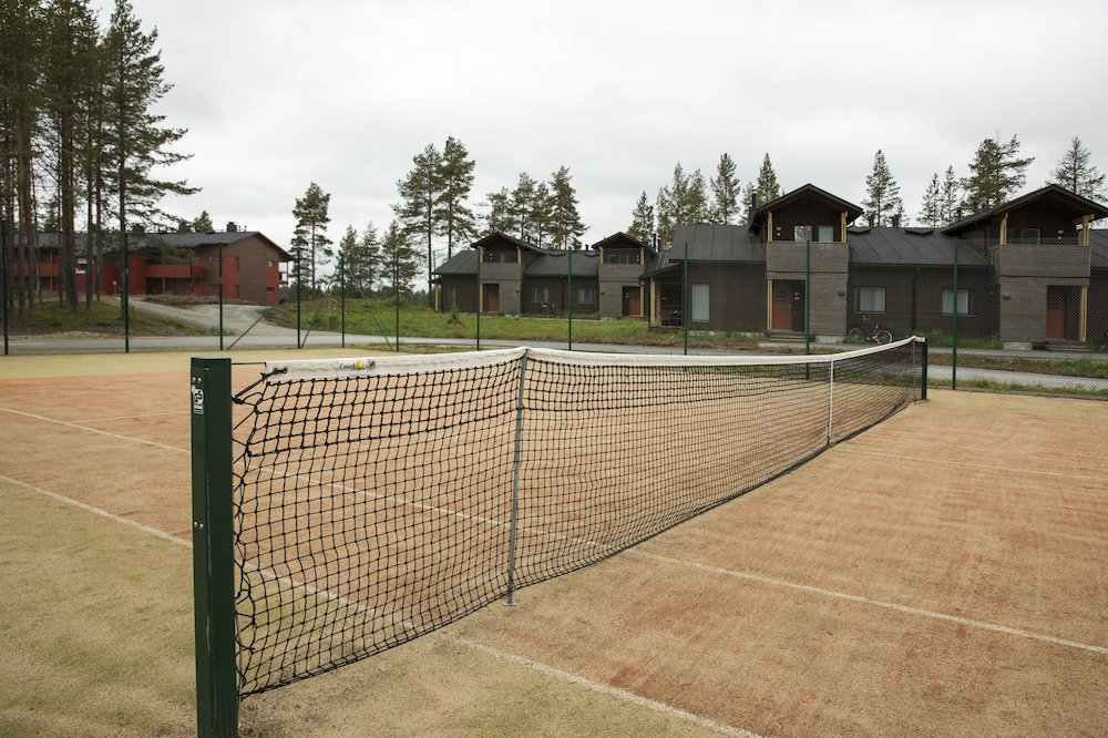 홀리데이 클럽 쿠사몬 트로피키(Holiday Club Kuusamon Tropiikki) Hotel Image 79 - Tennis Court