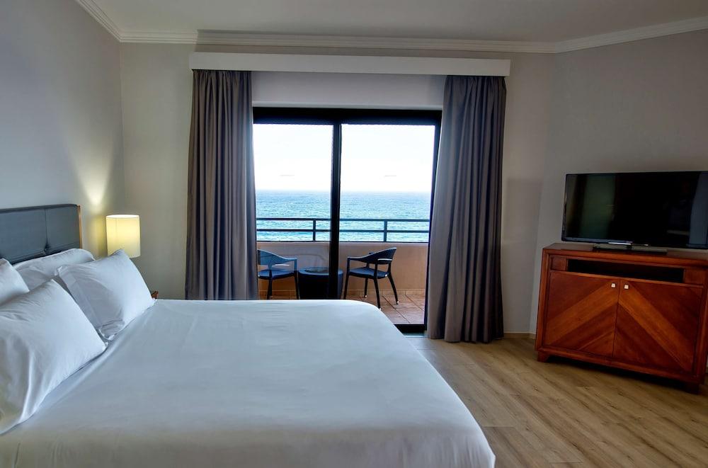 https://i.travelapi.com/hotels/1000000/70000/63600/63558/67d20ca4_z.jpg