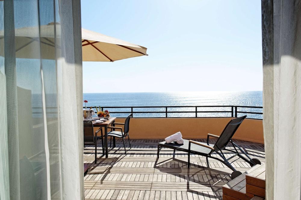 https://i.travelapi.com/hotels/1000000/70000/63600/63558/ce68c740_z.jpg