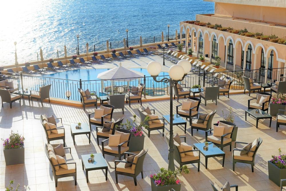 https://i.travelapi.com/hotels/1000000/70000/63600/63558/d2b6a8d9_z.jpg