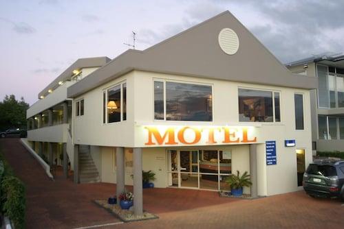 Baycourt Lakefront Motel, Taupo