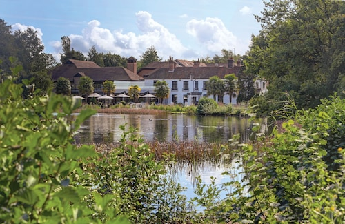 __{offers.Best_flights}__ Frensham Pond Country House Hotel & Spa
