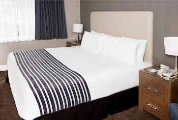 Room, 1 King Bed (Corporate King Room)