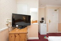 Economy Double Room, Ensuite (not refurbished)