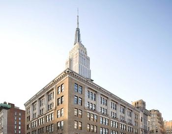 Empire State Queen Balcony